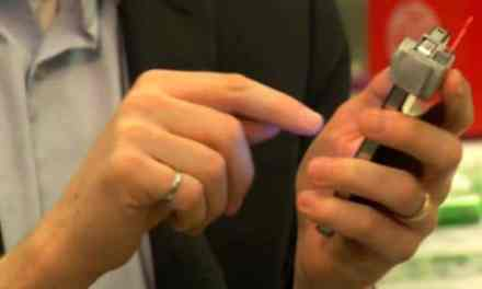 The smartphone accessory that can monitor your cholesterol level