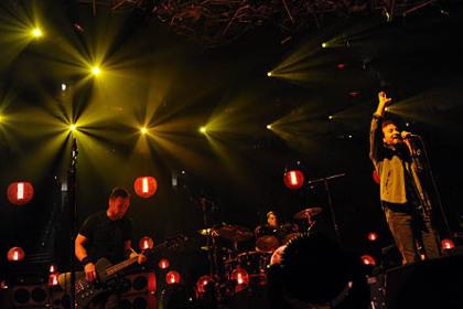 Concert review: Pearl Jam hits Pittsburgh like a lightning bolt - Pittsburgh Post-Gazette