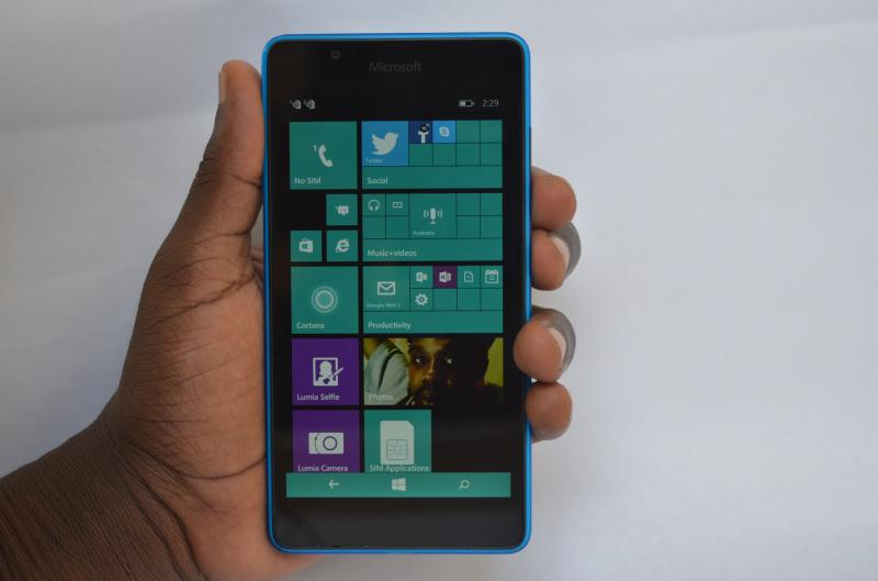 Lumia 540 on hands