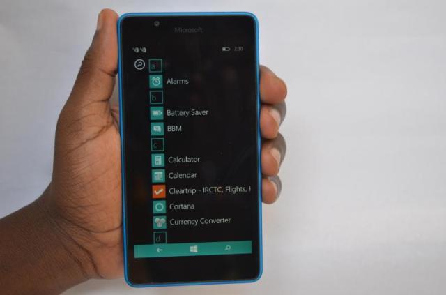 Lumia_540_handheld_allapps