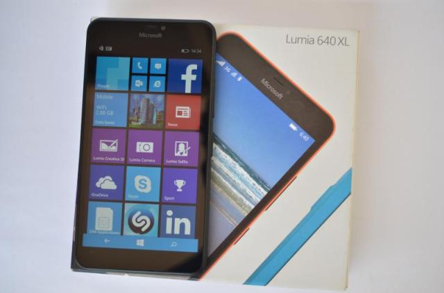 Lumia 640 XL box