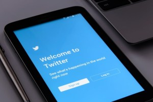 Twitter permanently rolls out the chronological timeline sparkle button