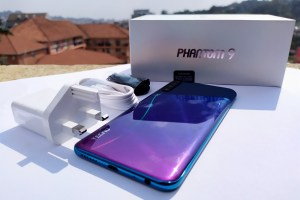 Tecno Phantom 9 Box