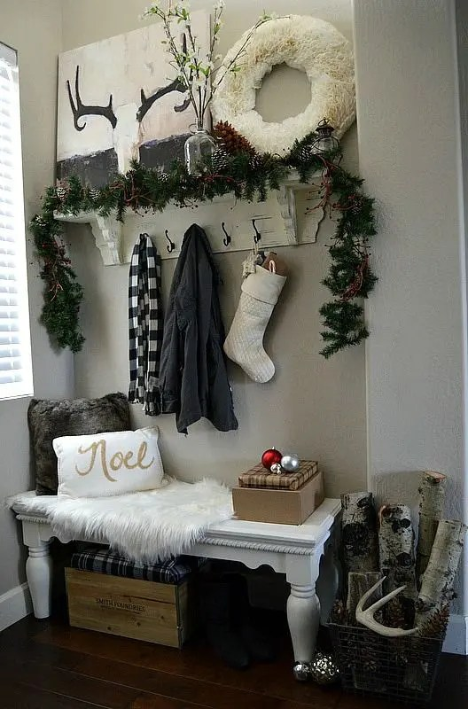 38 Cozy And Inviting Winter Entryway Dcor Ideas DigsDigs