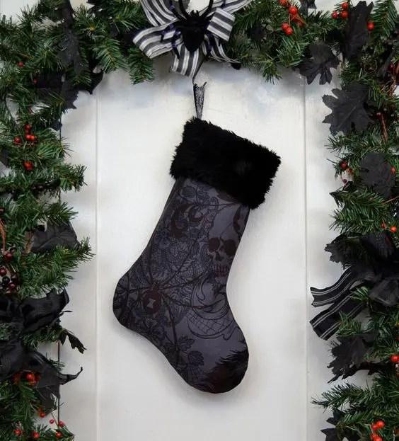 34 Moody And Dark Christmas Dcor Ideas DigsDigs