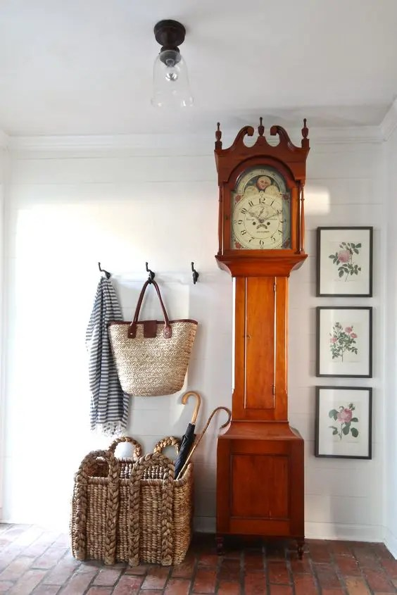 29 Ways To Incorporate A Grandfathers Clock Into Decor DigsDigs