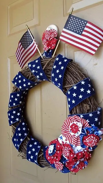 60 Amazing 4th July Wreaths For Your Front Door Digsdigs
