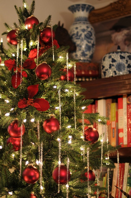 35 Christmas Dcor Ideas In Traditional Red And Green DigsDigs