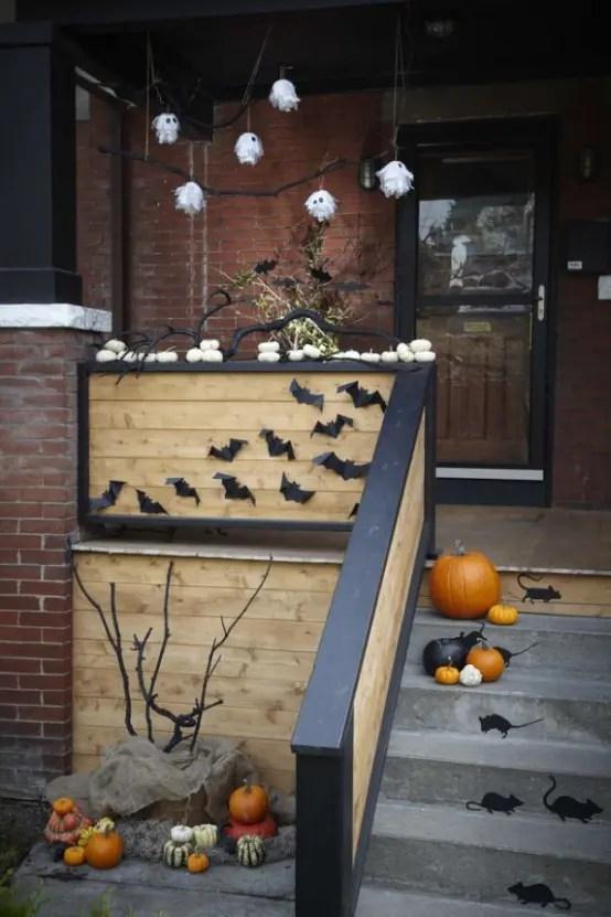 40 Cool Halloween Front Door Decor Ideas DigsDigs