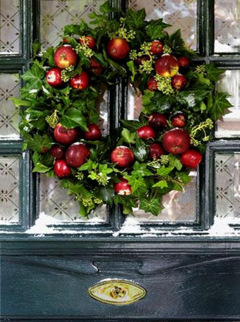 23 Cute And Yummy Apple Wreaths For Fall Home Dcor DigsDigs