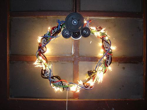 Funny Geek Christmas Wreaths DigsDigs