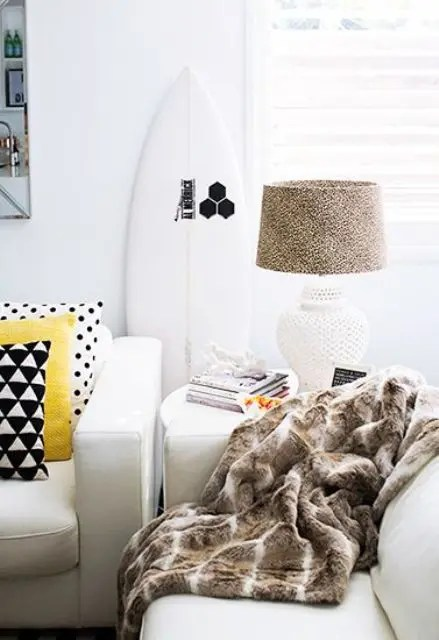 How To Incorporate Surfs Into Home Dcor 21 Fun Ideas