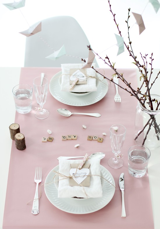 http://www.digsdigs.com/59-romantic-valentine%E2%80%99s-day-table-settings/
