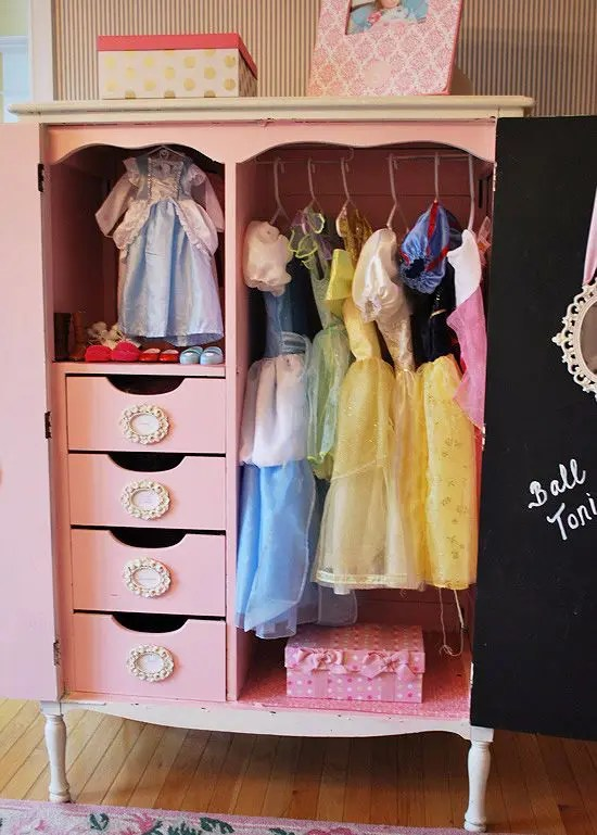 37 Smart And Fun Ways To Organize Your Kids Clothes