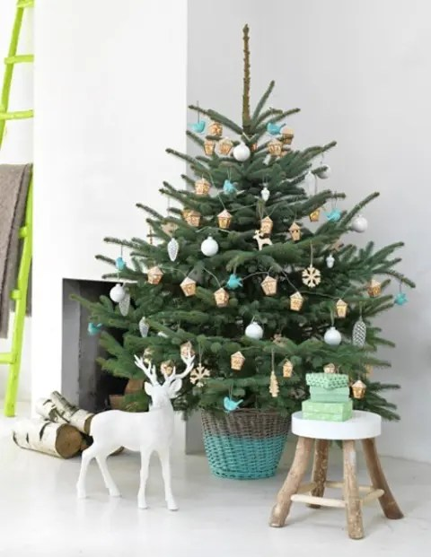 44 Space Saving Christmas Trees For Small Spaces DigsDigs