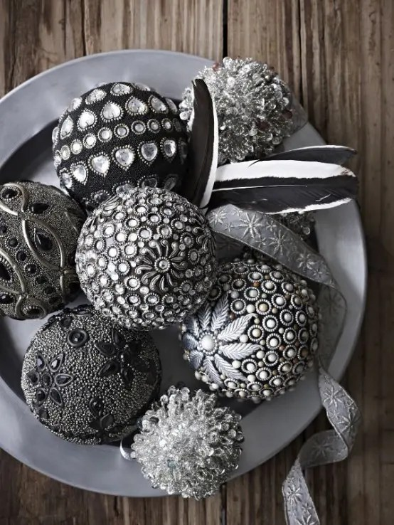 38 Stylish Christmas Dcor Ideas In All Shades Of Grey DigsDigs