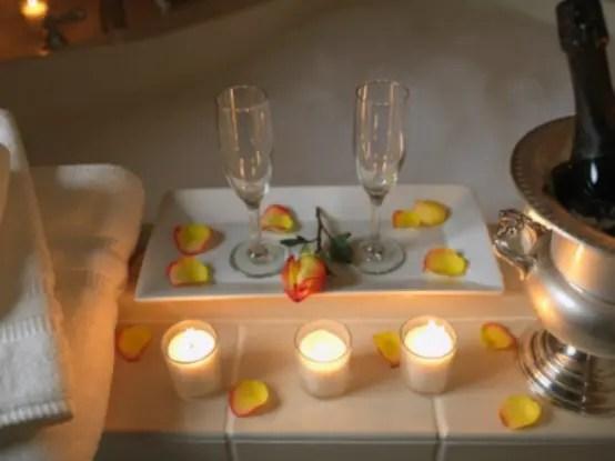 24 Valentines Day Bathroom Dcor Ideas DigsDigs