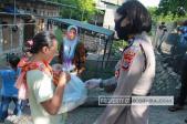 Polwan Cantik di Kupang Sisihkan Gaji dan Galang Dana Untuk Bantu Warga Miskin