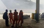 Basarnas Turunkan Tim ke Lokasi Kebakaran Kapal Tanker di Belawan