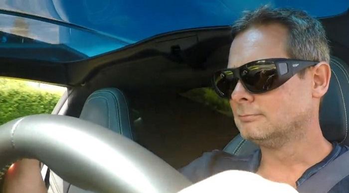 Meski Terlahir Buta, Pria Kanada Berhasil Punya SIM dan Punya Mobil Mewah