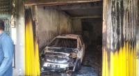 DidugaKorsleting Listrik, Dua Unit Mobil dan Warung Sate Hangus Terbakar
