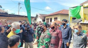 Sambut HUT RI ke-75, Danrem 023/KS Serahkan Kunci Rumah RTLH