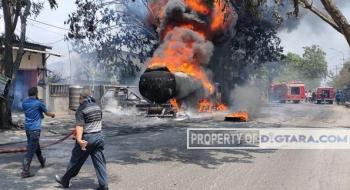 Diduga Sedang 'Kencing', Truk Tangki Pertamina Terbakar di Marelan