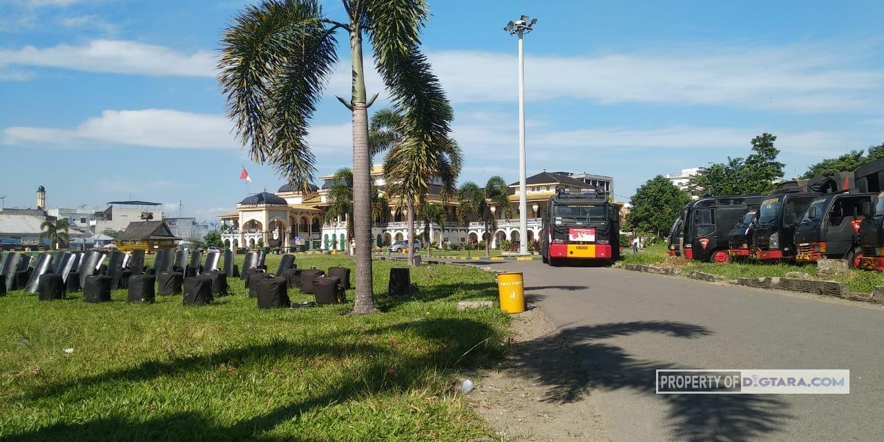 Kawal Aksi Masyarakat Sari Rejo, Polsi Siaga di Depan Kantor BPN Sumut