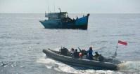 Curi Ikan di Laut Natuna Utara, Dua Kapal Vietnam Ditangkap