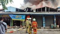 Pasar Cempaka Putih Terbakar, Ratusan Kios Hangus Terbakar