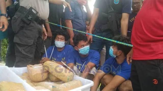[FOTO] Pengungkapan Tempat Penyimpanan Ganja di Medan Selayang
