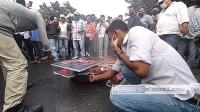 Demo Tolak Kehadiran Rizieq Shihab ke Sumut, Massa Bakar Poster dan Spanduk