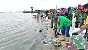 Plt Walikota Medan Ajak Warganya Jaga Kebersihan Pantai