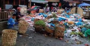 Nitizen Ributkan Tumpukan Sampah di Pasar Glugur Kota Rantauprapat