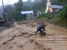 Banjir Bandang Terjang Parapat, Jalinsum Macet Tertutup Material Longsor