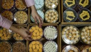 Makan Kue Kering Bisa Hilangkan Stres, Bisa Juga Memicu Timbulnya Jerawat