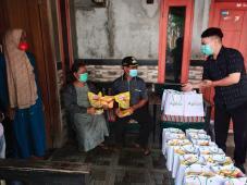 Peduli Kesehatan, Apical Bagikan Sembako untuk Masyarakat di Marunda