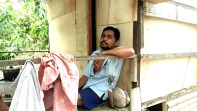 Pilu, Ditinggal Istri Karena Sakit, Pria Paruh Baya di Madina Ini Harus Berpindah-pindah Gubuk