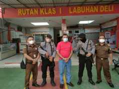 Dugaan Penyelewengan Dana BOS, Mantan Kepsek SMAN 8 Medan Ditahan