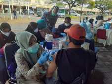 TNI AL Diserbu 3.735 Peserta Vaksinasi Covid-19