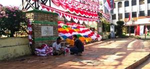 Jelang Hari Kemerdekaan, Pedagang Bendera di Padangsidimpuan Khawatir Penjualan Anjlok