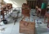 Gedung SD dan SMP Satu Atap di Kupang Dirusak OTK.