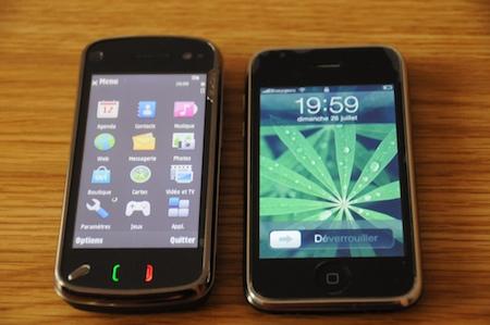 Nokia N97 comparé à un iPhone