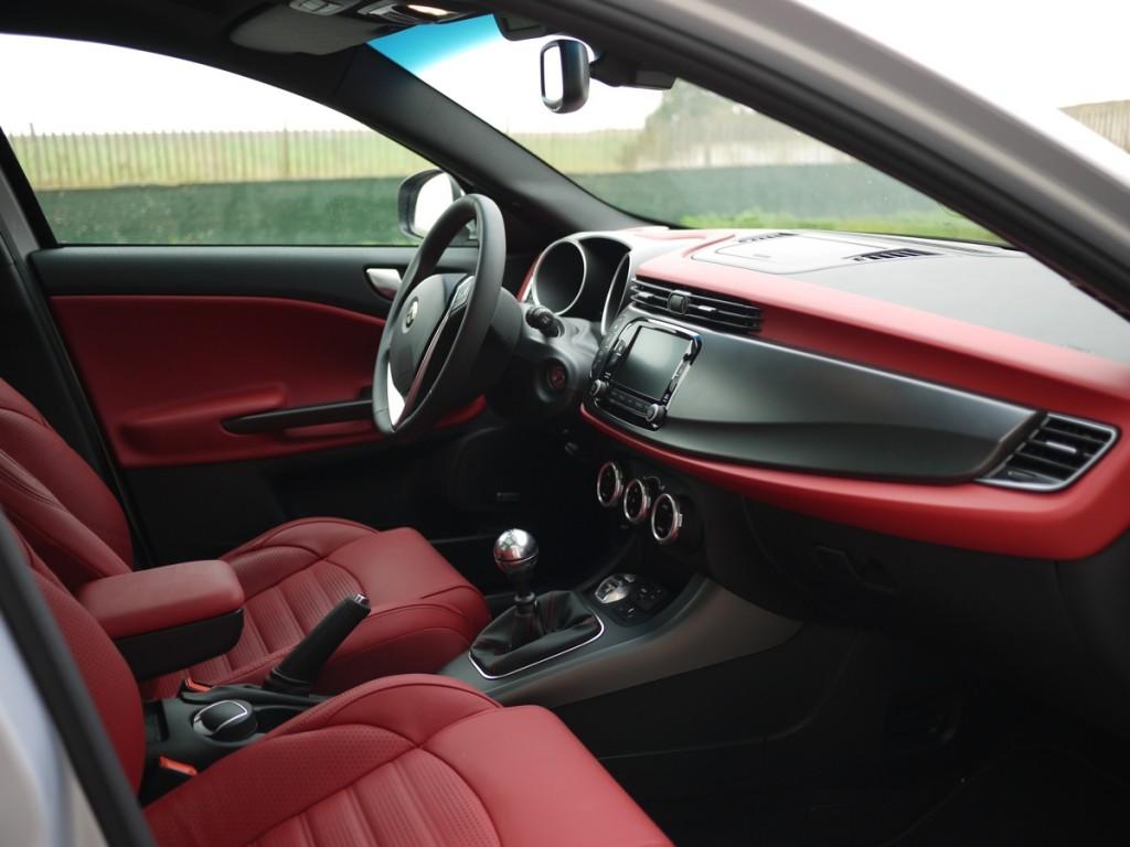 Alfa Romeo Giulietta 2014 essai intérieur