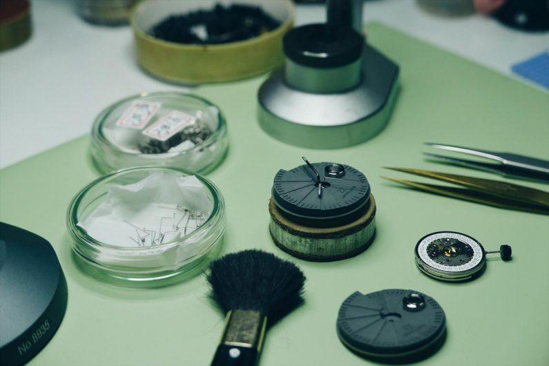 4D Concrete watch montre design béton_assembling