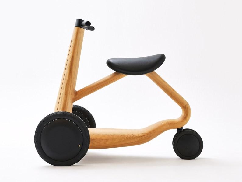 ILY-Ai : un scooter en bois par Mikiya Kobayashi