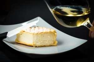 Hep sommelier! Rouge ou blanc pour le fromage? ?