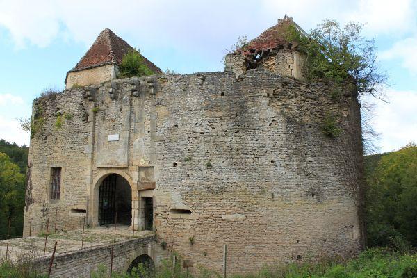 Entrée du Château de Rochefort - crédit photo DR