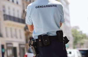 Les gendarmes atterrissent sur la BA102