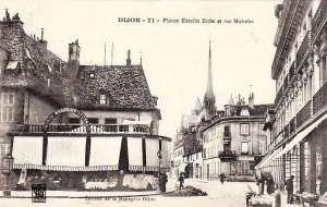 Les mille et une vies de la Place Bossuet